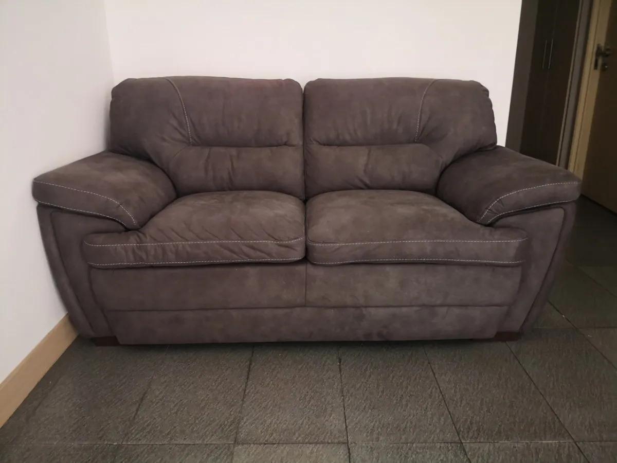 Перетяжка дивана из натуральной замши