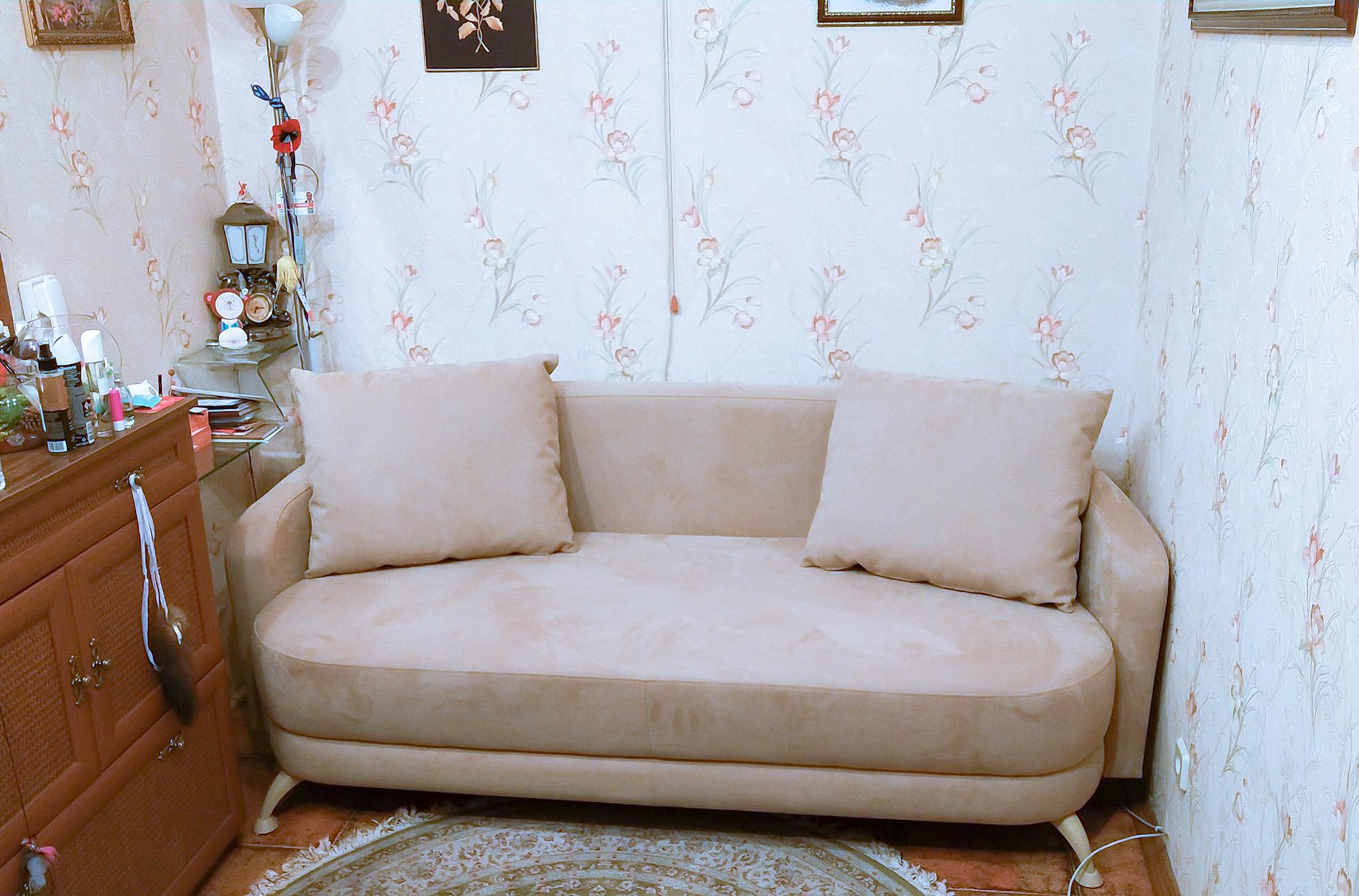 перетяжка дивана у вітальню