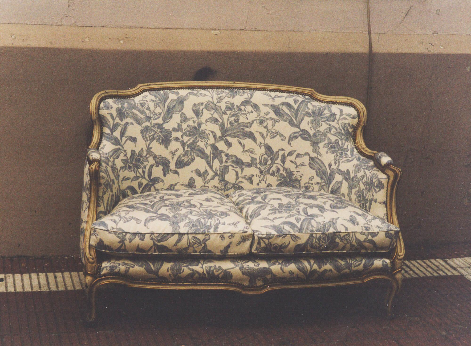 Антикварный диван Луи XV
