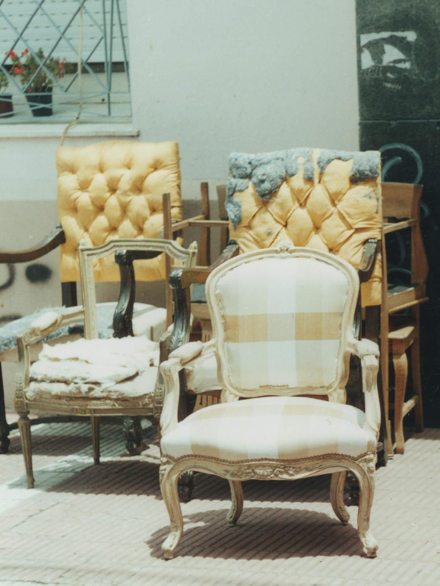 Перетяжка антикварного кресла